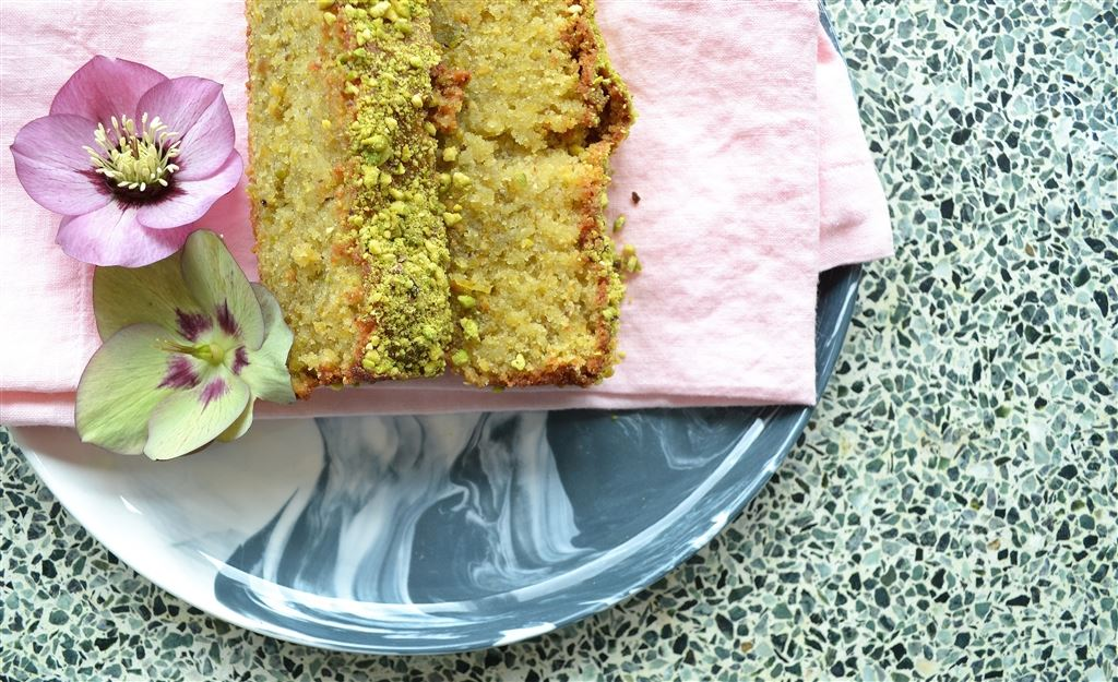 Lemon & Pistachio Easter cake recipe