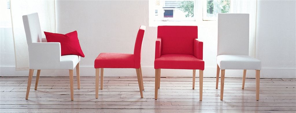 Newport low back chair with arms designers guild for Sillas tapizadas estampadas