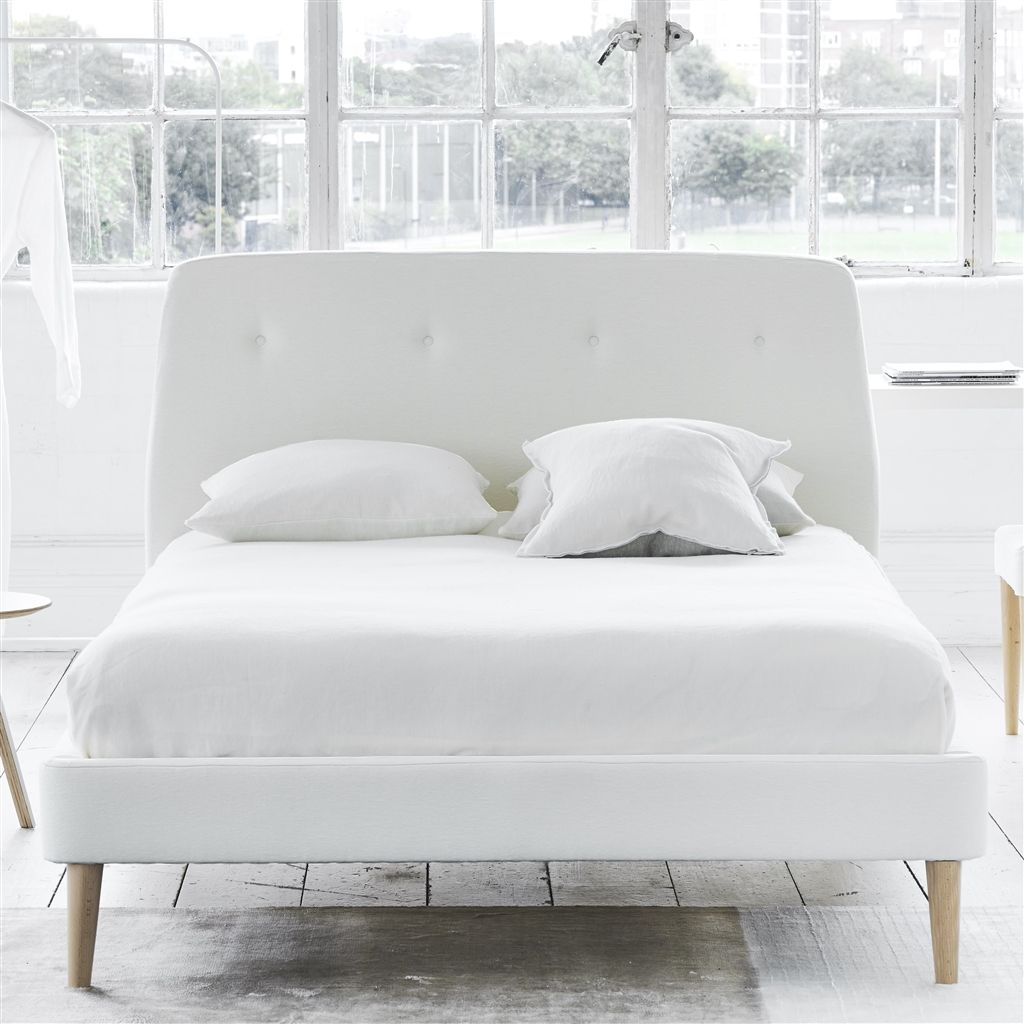 COSMO BED WHITE BUTTONS - KING - BEECH LEG - CASSIA CHALK