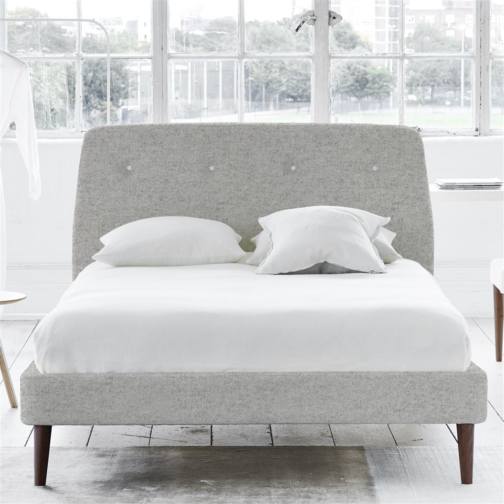 COSMO BED WHITE BUTTONS - KING - WALNUT LEG - CHEVIOT STONE