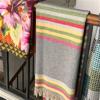 Lambusa Pimento Throw | Designers Guild