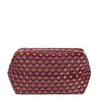 Portland Raspberry Medium Washbag