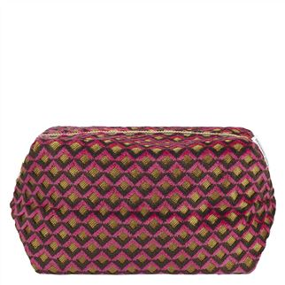 Portland Raspberry Washbag