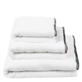 Riez Noir Towels