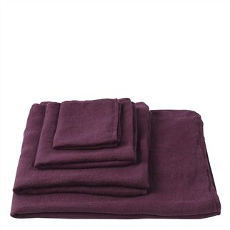 Orcia Plum Towels