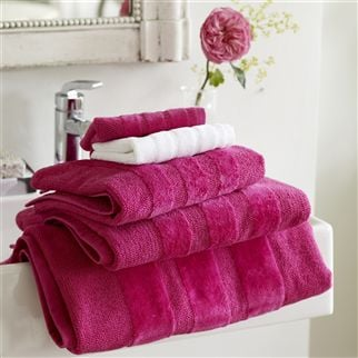 Coniston Fuchsia Towels | Designers Guild