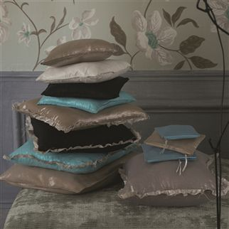 tsuga - alabaster fabric | Designers Guild Essentials