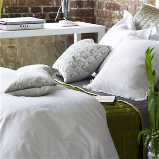 Astor Bianco Bedding | Designers Guild
