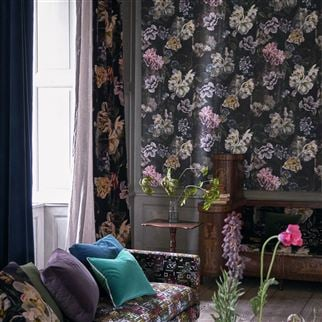 Delft Flower Grande Graphite Wallpaper | Designers Guild