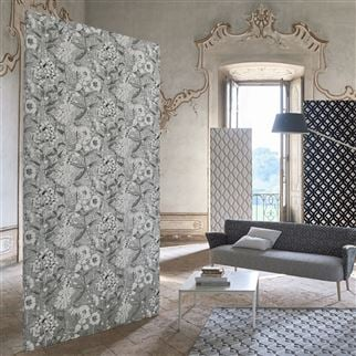 Emilie Ivory Wallpaper | Designers Guild