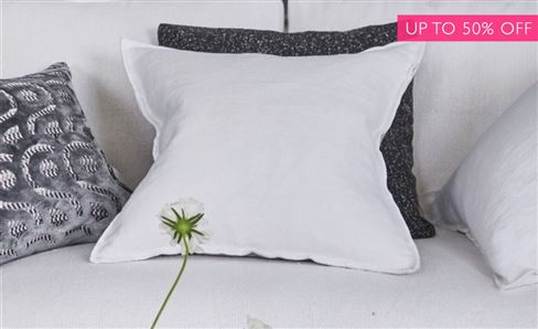 SALE WHITE COLLECTION CUSHIONS