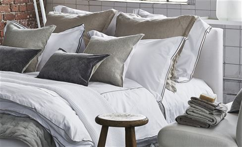 WHITE COLLECTION BEDDING