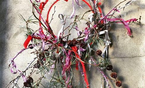 JULIET GLAVES CHRISTMAS WREATH WORKSHOP