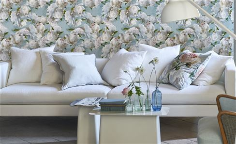 WHITE COLLECTION DECORATIVE PILLOWS