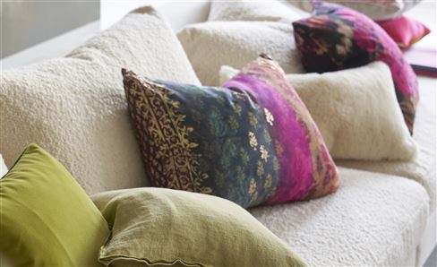 FLORAL DECORATIVE PILLOWS