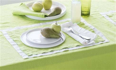 TABLE LINEN & APRONS