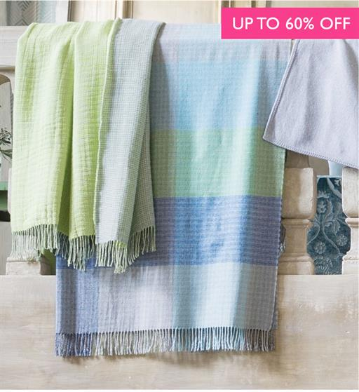 SHOP SALE THROWS & QUILTS >