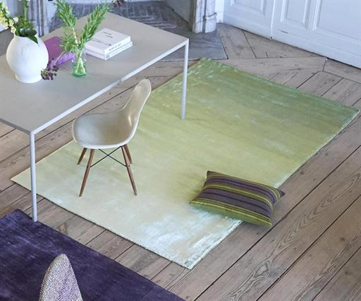 RUGS - UP TO 60% OFF >