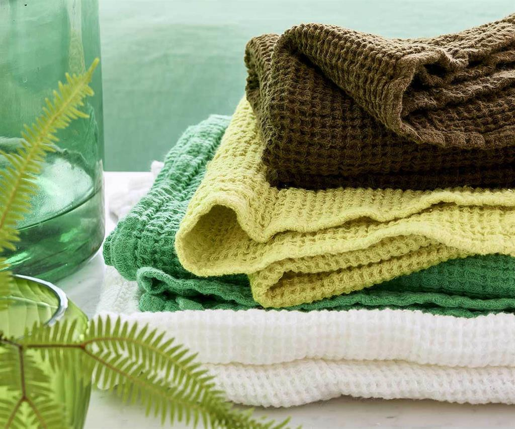 TOWELS & BATH MATS >